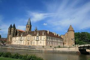 Car Hire Paray-le-Monial