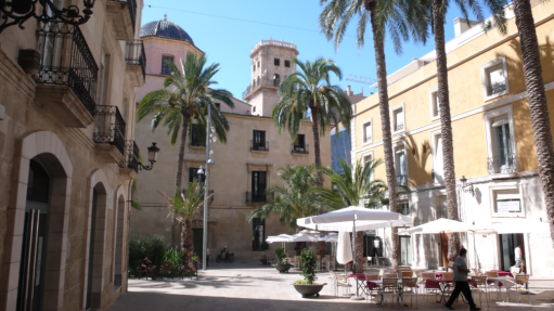 Shopping in Alicante Old Town