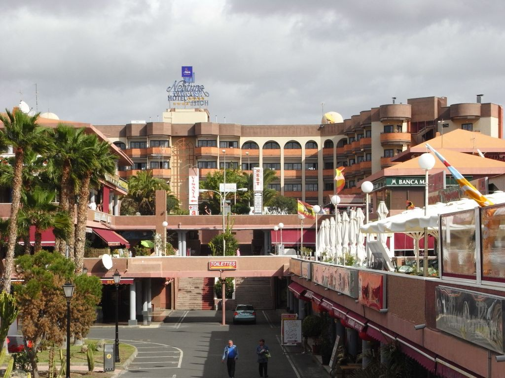 Yumbo Center Shopping Gran Canaria