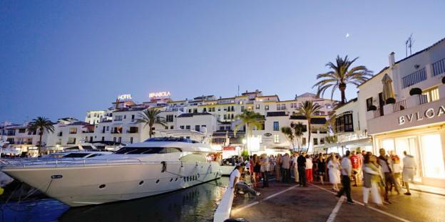 Shopping in Puerto Banus Marbella