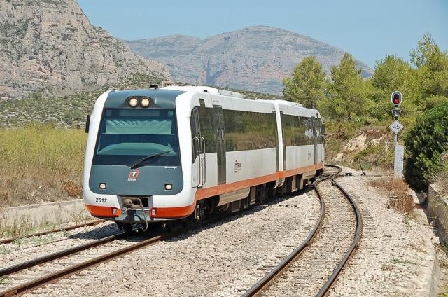 Train to Alicante Airport