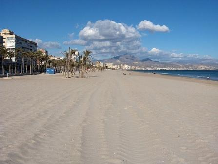 Playa San Juan in Alicante