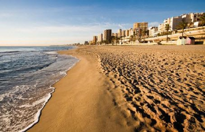 Beach Playa de L´Horta Mutxavista in Alicante