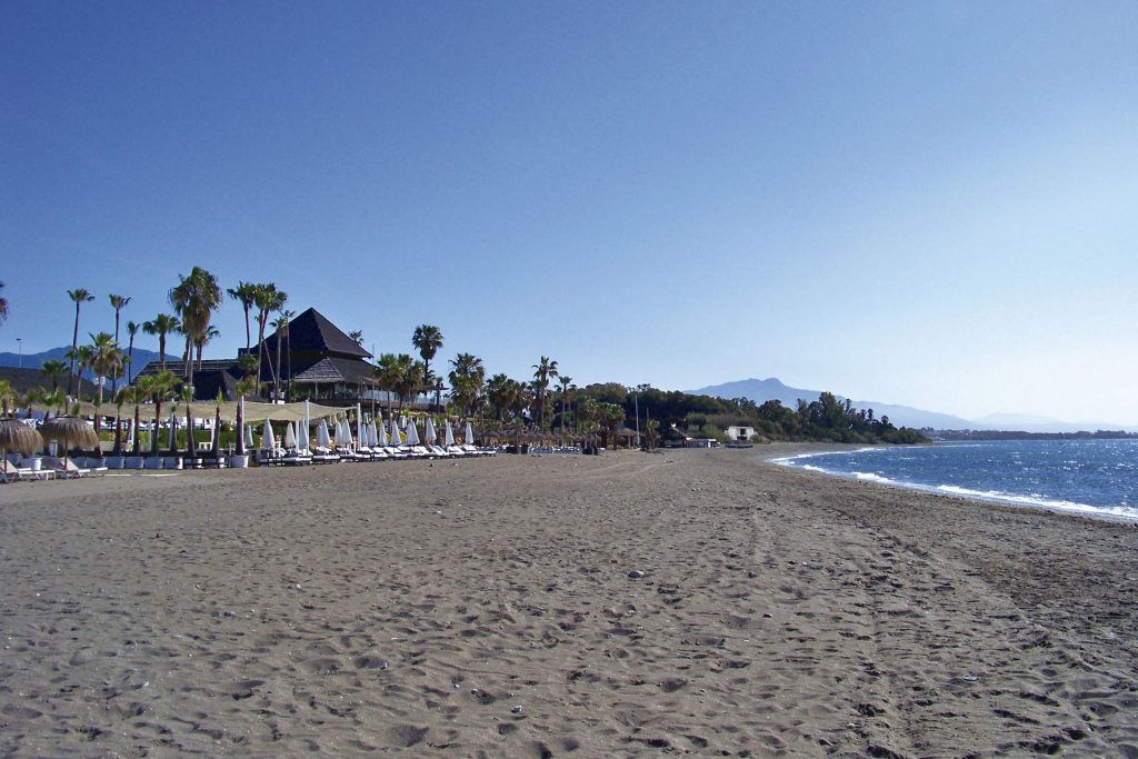Playa El Padron in Estepona